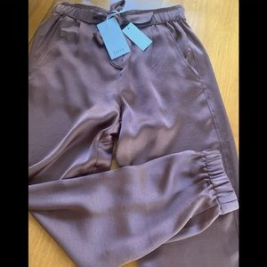 NWT joie joggers